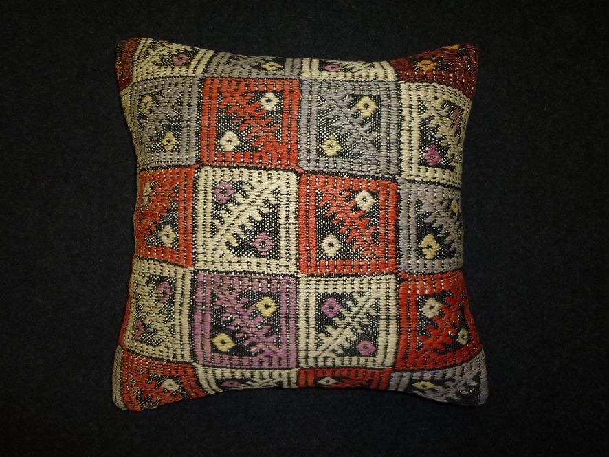 cushion-m108