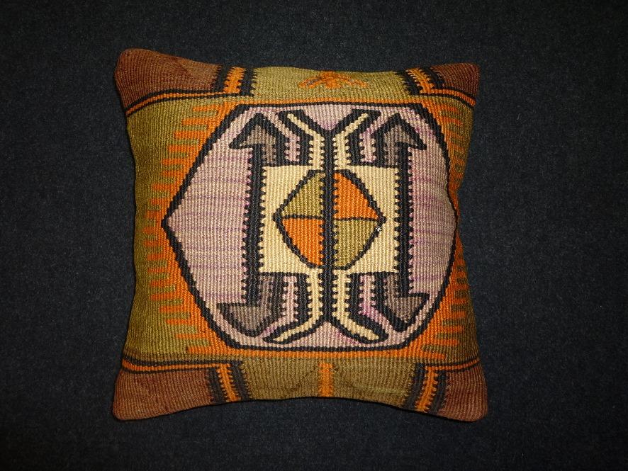 cushion-m116