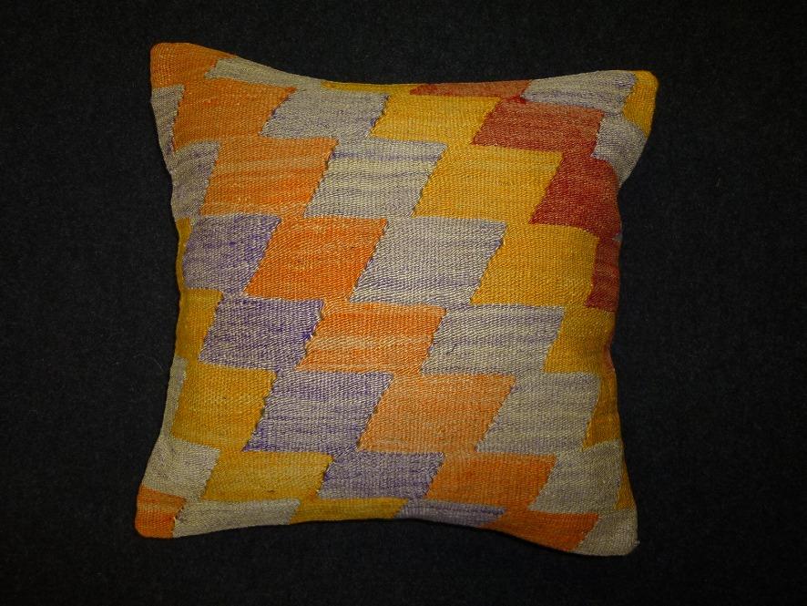 cushion-m85