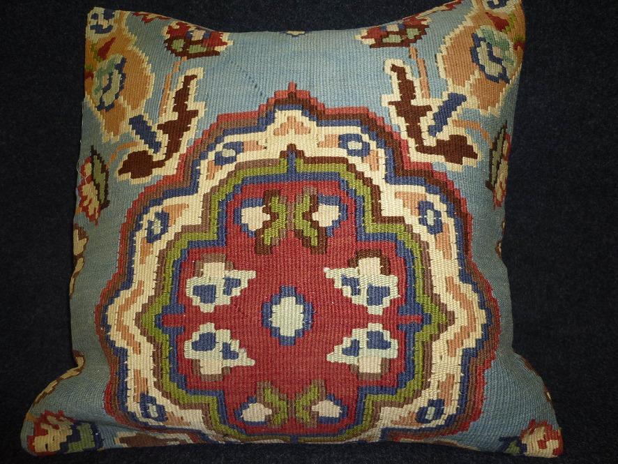 cushion-y82