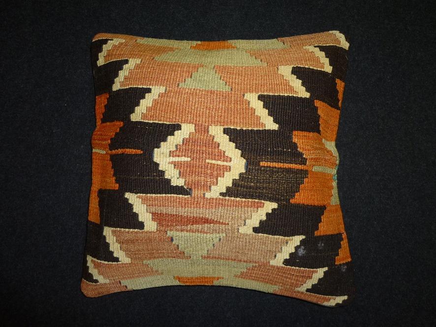 cushion-y85